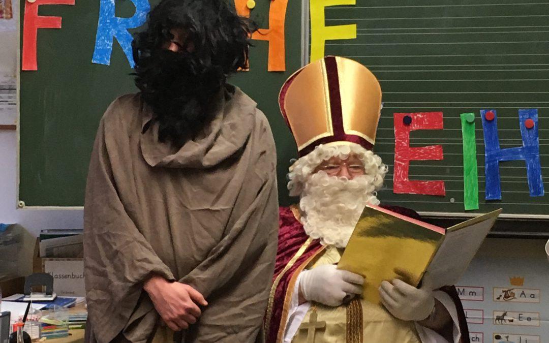 Der Nikolaus besucht die Waldschule Alfter